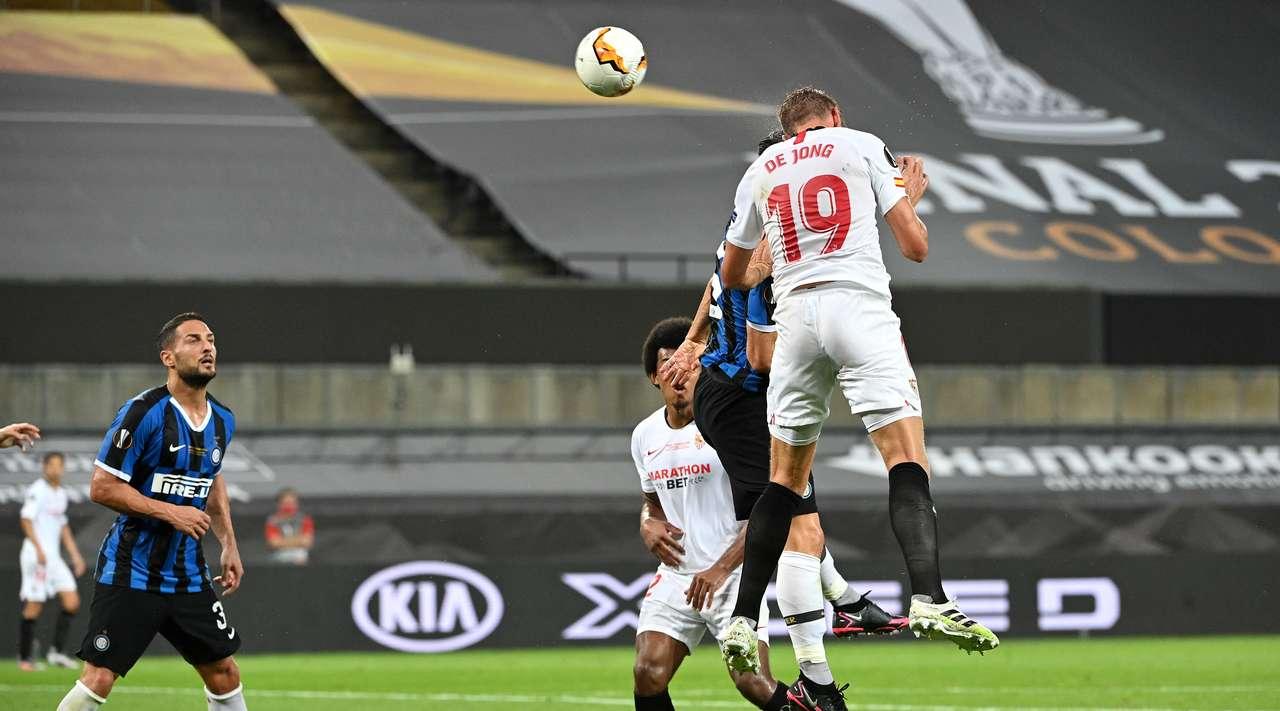 Luuk de Jong Sevilla Inter