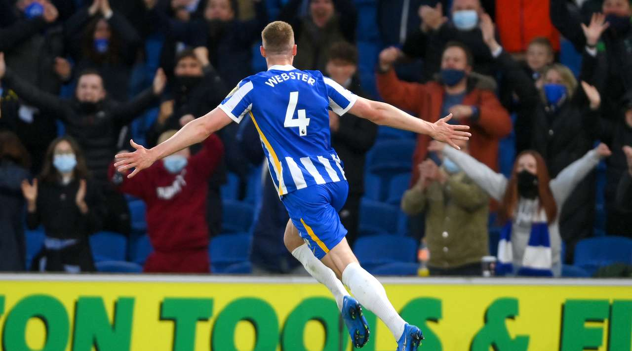 Goal! Pascal Gross is the provider and Adam Webster (Brighton) is the executioner, dispatching the cross into the bottom left corner from close in with his head. 2:2.