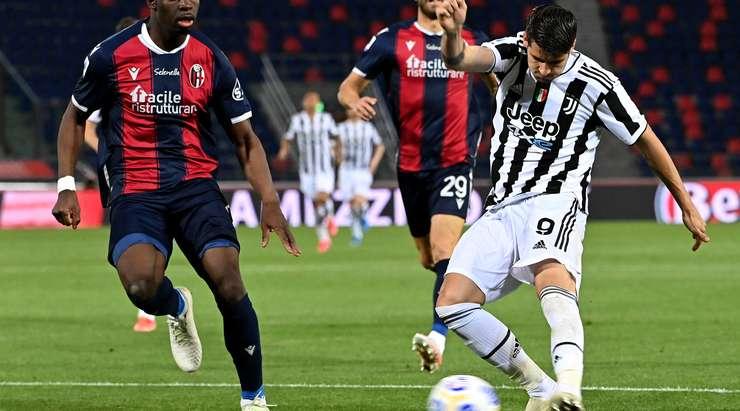 Hedef!  Tatlı bir pas aldıktan sonra, Alvaro Morata (Juventus) ağın ortasına hızlı bir alçak vuruş yaparak kaleciyi geçiyor.  İşte sizin tarafınızda olmanın bir örneği.