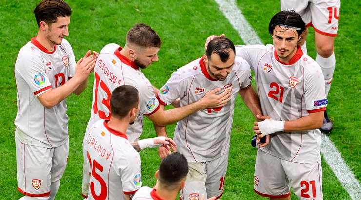 Igor Angelovski, Goran Pandev'in yerine Tihomir Kostadinov (Kuzey Makedonya) ile yeni bacaklar sunmaya karar verdi.